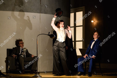 Rupert Charlesworth (Emilio), Sarah Tynan (Partenope), Patricia Bardon (Arsace)