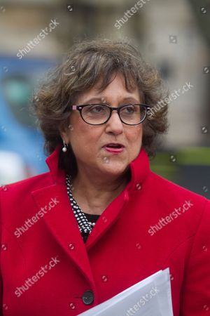 Journalist and Writer Yasmin Alibhai Brown reviews the papers on College Green for the media
