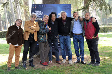 Giorgio Verdelli, Joe Amoruso, Tony Esposito, Tullio De Piscopo, James Senese, Claudio Amendola, Enzo Decaro
