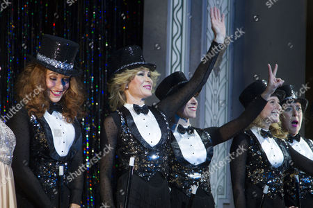 Tracy-Ann Oberman (Maxine), Amanda Holden (Vera), Anne-Jane Casey (Mavis), Nicola Stephenson (Dorothy) and Natalie Casey (Sylvia) during the curtain call