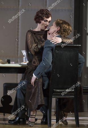 Stock Picture of Sarah Tynan as Partenope, Patricia Bardon as Arsace