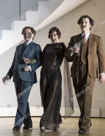 Patricia Bardon as Arsace, Sarah Tynan as Partenope, James Laing as Armindo