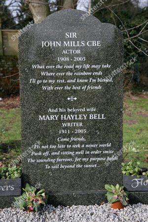 Sir John Mills grave at Saint Mary's Churchyard, Denham, Buckingham