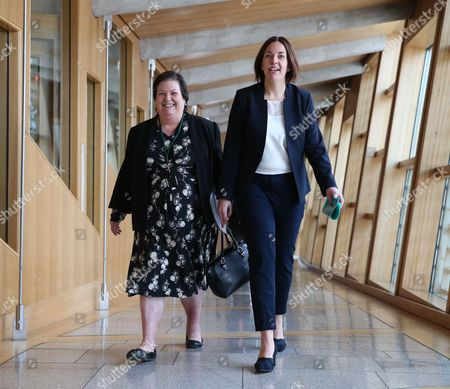 Jackie Baillie and Kezia Dugdale, Leader of the Scottish Labour Party, make their way to the Debating Chamber