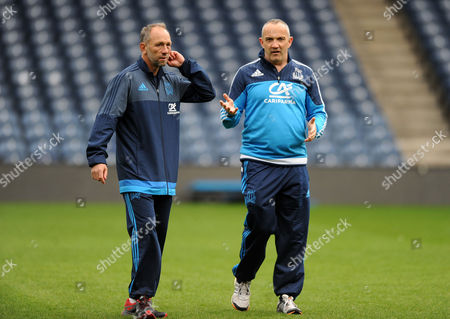 Conor O'Shea - Italy head coach (R) and Brendan Venter - Italy defence coach.