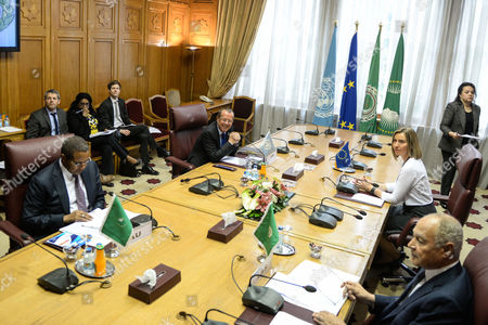 General view of a four party meeting between the Secretary General of the Arab League, Ahmed Aboul Gheit (R, front), the High Representative of the African Union in Libya, Jakaya Kikwete (L, front), the High Representative of the European Union for Foreign Afairs and Security Policy, Federica Mogherini (R, back), the United Nations Secretary-General's Special Representative and Martin Kobler (L, left) Head of the UN Support Mission in Libya, at the Arab League headquarters in Cairo, Egypt, 18 March 2017. The meeting was held to discuss developments regarding conditions in Libya and efforts to reach a peaceful settlement to the crisis.