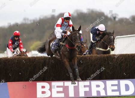 Willie Boy and Liam Treadwell win the Betfred Jack Berry House Handicap Chase at Uttoxeter.