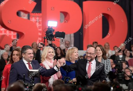 Aydan Ozoguz, Sigmar Gabriel, Martin Schulz, Manuela Schwesig and Hannelore Kraft