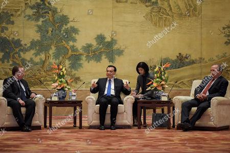 Li Keqiang, Stuart Gulliver and Lawrence Summers