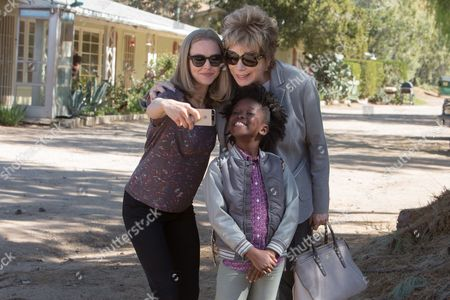 Amanda Seyfried, Shirley MacLaine, AnnJewel Lee Dixon