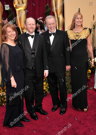 Ron Howard and wife Cheryl Alley Howard with Sir David Frost and wife Lady Carina Fitzalan-Howard