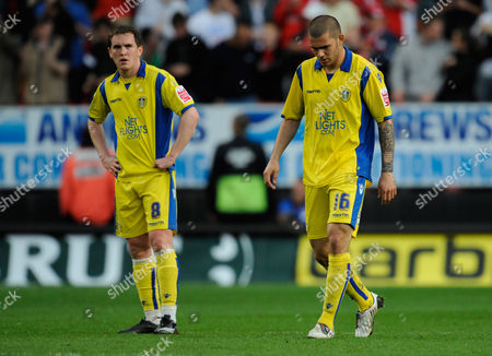 Neil Kilkenny of Leeds United and Bradley Johnson Look Dejected After the Goal Scored by Akpo Sodje of Charlton Athletic 1-0 United Kingdom London