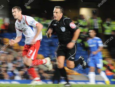 Referee Alan Wiley Whos Fitness Was Recently Questioned by Sir Alex Ferguson Keeps Up with Blackburn Rovers Winger Brett Emerton United Kingdom London