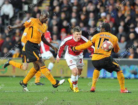 Andrey Arshavin Goes Past Hull's George Boateng & Bernard Mendy to Score For Arsenal 1-0 United Kingdom Hull