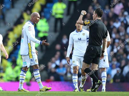 El-hadji Diouf of Leeds United Complains to Referee Mark Clattenburg United Kingdom Manchester