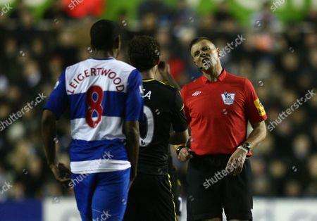 Chelsea's Juan Mata Protests Against Referee Mark Halsey Decision United Kingdom Reading
