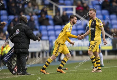 Jamie O'hara is Substituted For Ryan Tunnicliffe of Fulham During the Sky Bet Championship Match Between Reading and Fulham Played at Madejski Stadium Reading On March 5th 2016 United Kingdom Reading