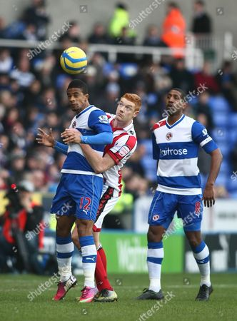 Reading's Garath Mccleary and Sheffield United's Dave Kitson in Action During Todays Match United Kingdom Reading