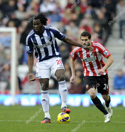 Romelu Lukaku of West Brom (l) with Carlos Cuellar of Sunderland United Kingdom Sunderland