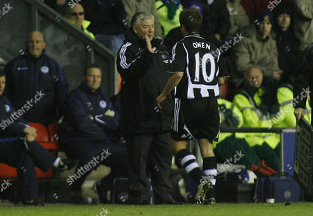 Michael Owen of Newcastle United As He is Substituted by Manager Joe Kinnear United Kingdom Wigan