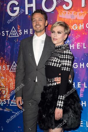Rupert Sanders and Scarlett Johansson
