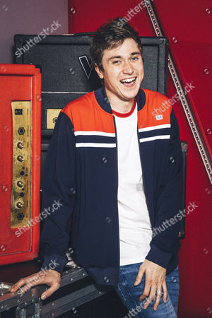 Stock Photo of The Voice UK (Ep15: The Semi Finals) - Team Gavin: Max Vickers.