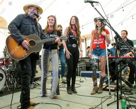 Ray Wylie Hubbard, Kelley Mickwee, Liz Foster, and Savannah Welch of the Trishas
