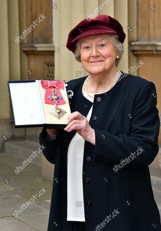Dame Patricia Routledge, OBE