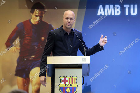 Jordi Cruyff, son of legendary former Dutch soccer player and coach Johan Cruyff, gives a speech during a tribute to Johan Cruyff held in Barcelona, Spain, on 25 March 2017.