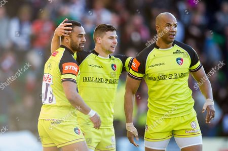 Ben Youngs of Leicester Tigers celebrates his try with team-mates Telusa Veainu and JP Pietersen