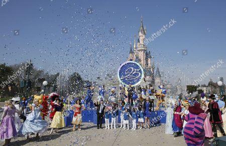 Bob Chapek, chairman of Walt Disney Parks and Resorts and Catherine Powell, CEO of Eurodisney SAS
