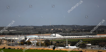 A general view on the closed Erez crossing point, seen from the Palestinian side in Beit Hanun town in the northern Gaza Strip, 26 March 2017. Erez crossing point has been closed by Hamas security on 26 March 2017 after senior leader of Ezz Al-Din Al-Qassam brigades, the armed wing of the Palestinian Hamas movement, Mazen Al-Faqhaa was killed on 24 March 2017, after gunmen shot him dead near his home in Tal Al-Hawa neighbourhood. Al-Faqhaa was freed by Israeli in 2011 prisoner swap with more than 1,000 other Palestinian prisoners in exchange for Gilad Shalit, an Israeli soldier Hamas had detained for five years.