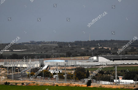 A general view showing the closed Erez crossing point, seen from the Palestinian side in Beit Hanun town in the northern Gaza Strip, 26 March 2017. Erez crossing point has been closed after senior leader of Ezz Al-Din Al-Qassam brigades, the armed wing of the Palestinian Hamas movement, Mazen Al-Faqhaa was killed on 24 March 2017 after gunmen shot him dead near his home in Tal Al-Hawa neighbourhood.  Al-Faqhaa was freed by Israeli in 2011 prisoner swap with more than 1,000 other Palestinian prisoners in exchange for Gilad Shalit, an Israeli solder Hamas had detained for five years.