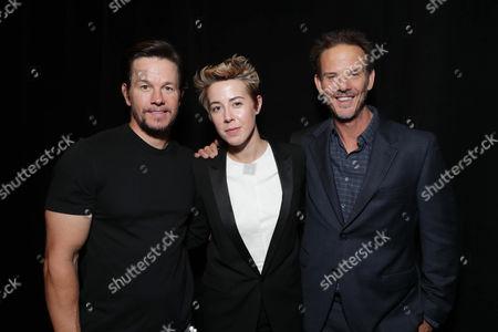 Mark Wahlberg, Sophie Watts, Peter Berg