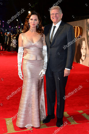 Stock Image of London England 21st November 2016: Director Robert Zemeckis and Wife Leslie Harter Zemeckis at the 'Allied' - Uk Premiere at the Odeon Leicester Square London England 21st November 2016