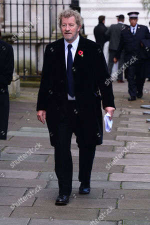 London England 13th November 2016: Sebastian Faulks Arrives at Downing Street As the Dignitaries Arrive For the Remembrance Sunday Services at Downing Street in Westminster London On the 13th November 2016