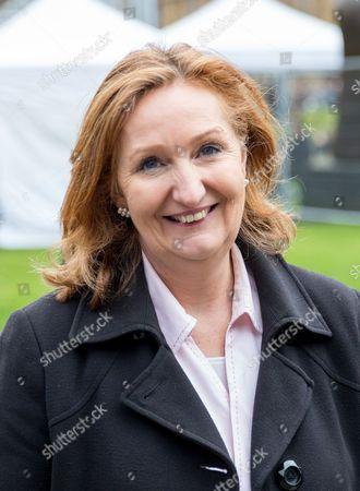 Suzanne Evans on College Green