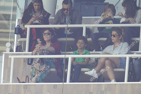 Cristiano Ronaldo Jr., Dolores Aveiro (Cristiano Ronaldo's mother)