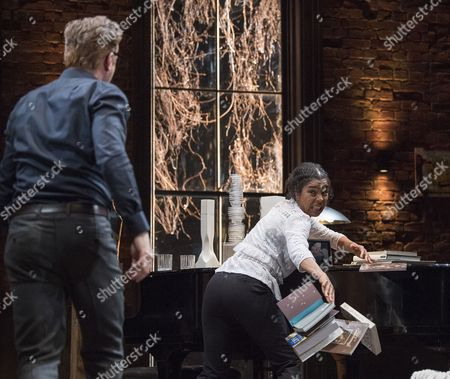 Stock Picture of Damian Lewis as Martin, Sophie Okonedo as Stevie