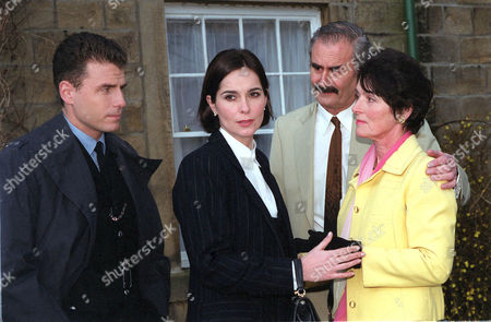 'Heartbeat'  TV - 2000 - The Son-In-Law. Mike meets his in-laws for the first time. (left to right) Mike (Jason Durr), Jackie (Fiona Dolman), Lionel Lambert (Paul Chapman) and Edwina Lambert (Susan Jameson).