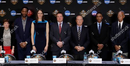 From left, Muffet McGraw, Tracy McGrady, Rebecca Lobo, Bill Self, Tom JernstedtMannie Jackson and Robert Hughes pose for a picture at the Basketball Hall of Fame news conference, in Glendale, Ariz