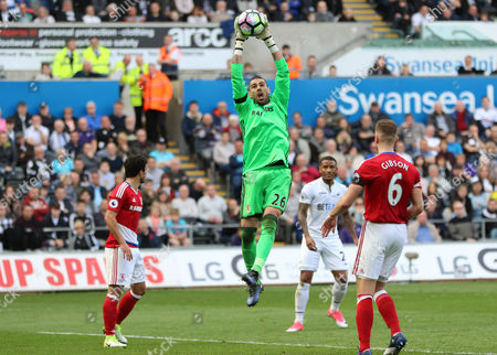 Middlesbrough goalkeeper Victor Valdes claims the crossed ball