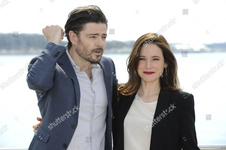 Caroline Dhavernas and Richard Short