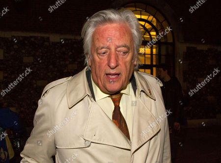 Ken Livingstone's barrister Michael Mansfield QC seen leaving the hearing this evening.
