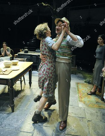 Niamh Cusack ( Maggie )  Jo Stone-Fewings ( Gerry ) Andrea Corr ( Chris )