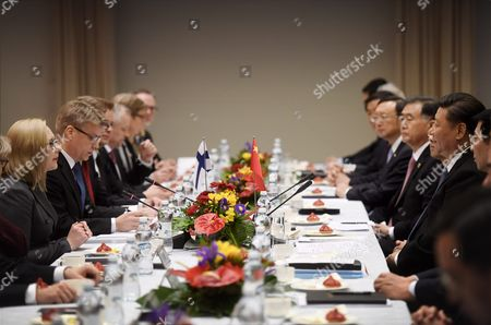President of the People's Republic of China Mr. Xi Jinping meets the Speaker of the Finnish Parliament Ms. Maria Lohela