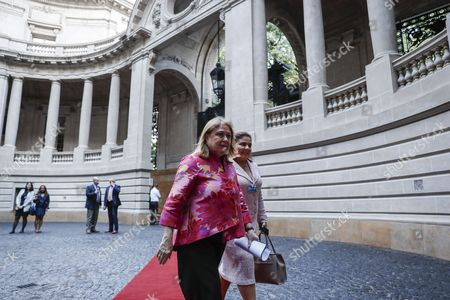 Argentinian Foreign Minister Susana Malcorra (L) and Director of the WEF for Latin America Marisol Argueta de Barillas (R) arrive to deliver a press conference to present the World Economic Forum (WEF) for Latin America at the Foreign Ministry in Buenos Aires, Argentina, 05 April 2017.