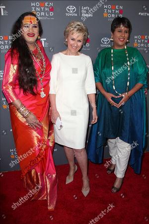 Laxmi Narayan Tripathi, Tina Brown and Barkha Dutt