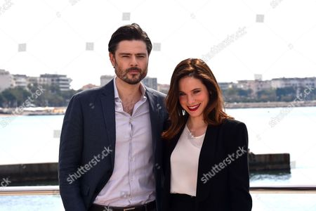 Richard Short and Caroline Dhavernas during a photocall to present 'Mary Kills People'