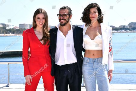 Serenay Sarõkaya, Mehmet Gunsur and Berrak Tuzunataa during a photocall to present 'Phi'